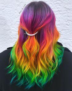 آرایشگاه برای رنگ فانتزی مو